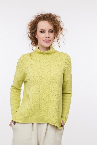 Cable knit pullover with cashmere yellow