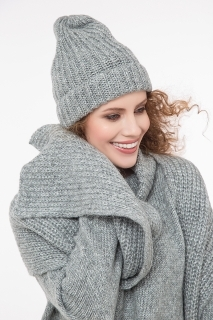 Ribbed scarf with lurex grey