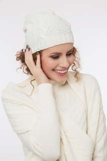 Cable knit hat with cashmere different colors